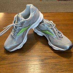 Like New! Reebok Runtone - Gray/Green (Sz 7)